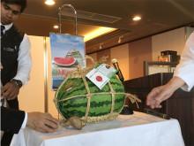富山のジャンボ西瓜やバイ貝を味わうトークショー付き昼食会