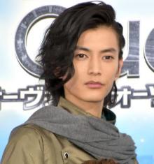 『ジオウ』ウォズ役の渡邊圭祐、岸田タツヤの「祝え!」に驚き「俺よりいい声(笑)」