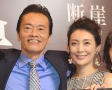 遠藤憲一、58歳でラブシーンに苦戦 相手役・田中美里とハプニング「ポロリってなっちゃって」