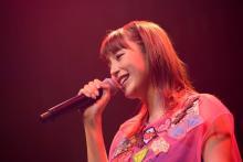 平野綾、4年ぶりライブで初披露キャラソン含む全18曲熱唱 「末永くこれからもよろしくお願いします!」
