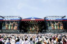 モー娘。ロッキン最大ステージで大観衆を一体化 直談判でギリギリ50分・14曲熱演