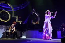 梶浦由記&石川智晶・See-Sawがサプライズ復活、『ガンダムSEED』主題歌披露 12月ライブも決定