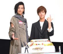 """「祝え!」""""ジオウ""""奥野壮、19歳の誕生日に""""ウォズ""""渡邊圭祐がサプライズ登場"""