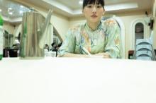綾瀬はるか、世界を食べ尽くす 写真集10冊シリーズのプロジェクト始動