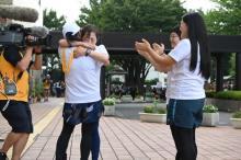 『24時間駅伝』タスキは水卜麻美アナからいとうあさこへ 笑顔で国技館へスタート
