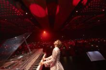 YOSHIKI、右手靭帯損傷も12公演完遂 私物36点落札総額は過去最高6735万円 全額寄付