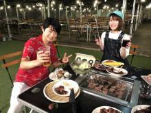 下野紘、今年初のBBQは内田真礼と満喫 木刀でスイカ割り「手ごたえあり!」