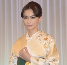 """長谷川京子、美しさを保つ""""不可侵""""の30分 七五三写真は「今の娘とそっくり」"""