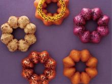 お芋みたいな食感は生地にヒミツが♡ミスドに「#イモイモしい」新作ドーナツ「さつまいもド」が登場♩