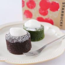 スタバの「ミニケーキ」は濃厚とろ~り…。かわいい小さめサイズなので、おやつにぴったりです♡