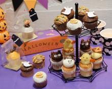 お家ハロウィンを盛り上げたい人に♩いっぱい並べて楽しみたい「フェアリーケーキフェア」の期間限定カップケーキ♡