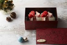 食べきりサイズ&3色のブッシュドノエルが大人かわいい♡グランドニッコー東京台場のクリスマスケーキをチェック!