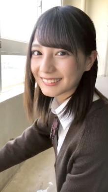 """日向坂46""""神企画""""に小坂菜緒登場 制服で照れながら「好きです」"""