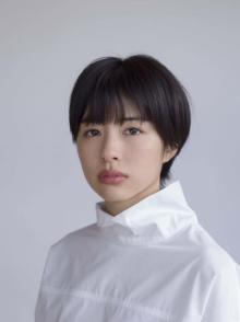 年内休養・高橋ひかるの代役に佐久間由衣 ワケアリ女子に挑戦「うそなく大切に演じ切りたい」