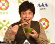 """田中圭、会見でご飯""""本気食い"""" フラッシュ浴びて「すみませんね、みなさん」"""