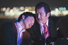 田中圭、吉田鋼太郎・千葉雄大・戸次重幸とのペアショット3連発