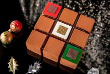 コンラッド東京のクリスマスケーキは3種類。ショートケーキからは真っ赤なベリーがこぼれおちそう…♡