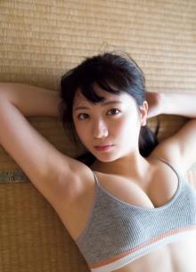 """元AKB48""""伝説の美少女""""高橋希来「自慢のパーツ」Fカップバストを大胆披露"""