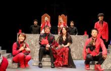 猿回し師・村崎太郎、40周年公演で『さる軍団のハムレット』上演「泣くべきか、笑うべきか」