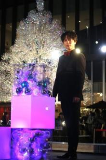 山崎育三郎、イルミ点灯式で歌声披露「お芝居をした感覚になりました」