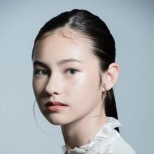 """創刊号に""""モデル界の新星""""13歳少女・Eidaを抜てき 『FashionArtMagazine』始動"""