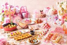 ピンクのスイーツに囲まれて気分はプリンセス♡ストリングス名古屋のクリスマスはGirlyな舞踏会がテーマ♩