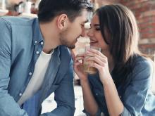男子がデート中ずっと幸せを感じる女性の特徴