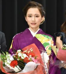 前田敦子、観客の自分語りにも笑顔で対応「熱いメッセージうれしい」