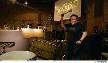 超実写版『ライオン・キング』の名曲制作秘話とメイキング映像解禁 ドラムを叩くジョン・ファヴロー監督の姿も?