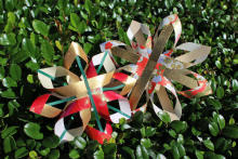 子供も大人も楽しめる!金色の和紙でクリスマスオーナメントを作ろう