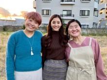 新木優子、ガンバレルーヤとの3ショット公開「顔のサイズ感…」「よしこちょっと綺麗になってる」