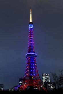 列島各地で「スター・ウォーズ」カラーのライトアップ 東京タワー、太陽の塔など