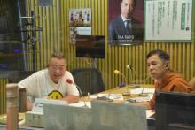 岡村隆史&出川哲朗、深夜ラジオで暴走トーク 半袖姿で熱弁「オレたちの思い出に女性はいない」