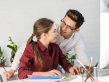 男性が「職場で気になる女性」についしてしまうこと