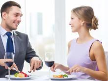 「いい女だなあ」ご飯デート中に男性がグッとくるポイント