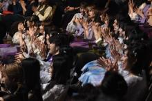 『レコ大』乃木坂&欅坂&日向坂ら「パプリカダンス」で不在のFoorin祝福 会場が温かい空気に