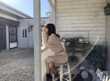 """柏木由紀、肩出し×網タイツの""""あざとい""""ショット「いい女」「萌え袖最高」"""
