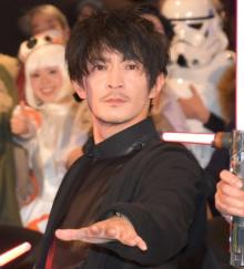 津田健次郎、SWが好きすぎて「工事の誘導灯が欲しくて…」 武田真治の質問攻めに苦笑い
