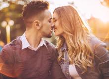 男性が最高にかわいいと思うキスの仕草とは