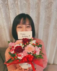 第1子妊娠中・高橋ユウ、29歳の誕生日に赤ちゃん時代の写真公開