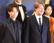 山崎育三郎、映画『レミゼ』監督と並び立ち「感無量」