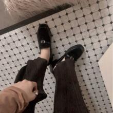 「ローファーなんて同じデザインばっかり」を覆す。emmyのシューズが一味違ってかわいいんです♡