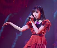 小栗有以「AKB48巻き返しのショーを」 現役高校生最後の制服姿も披露
