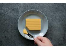 焼いていないのに香ばしい!バター専門店から「安納芋バターケーキ」が登場