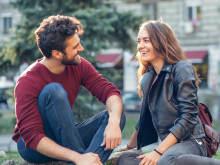 好きな人との距離を近づけるには、「熟知性の原則」が有効!