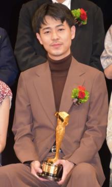 成田凌、『キネ旬』助演男優賞を受賞「いろんな人に感謝しかないです」