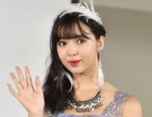 藤田ニコル、美ヒップあらわな大胆ショット「綺麗な形!」「スッゴいプロポーション」