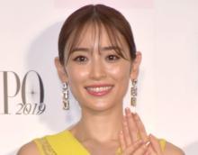 泉里香、胸元ざっくりショット披露「神々しい」「好きだなぁ」