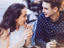 脈アリと思いきや…勘違いさせやすい男性の脈ナシ行動