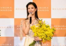 菜々緒、透け感たっぷりブルガリドレスで魅了 東村アキコ氏との縁語る「デビュー作ではずっと泣いている役(笑)」